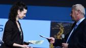 Julie L'Haridon reçoit le grand prix de thèse 2016.